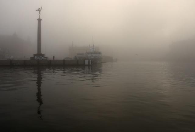 Fotograf Helsingborg - foto på dimma i hamnen i Helsingborg