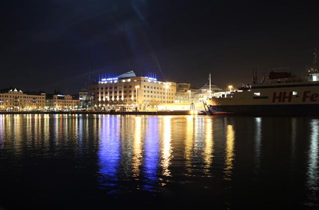 Foto från hamnen i Helsingborg av fotograf Freddy Olsson i Helsingborg