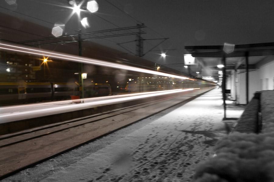 Nattfotografering av tåg - lång slutartid