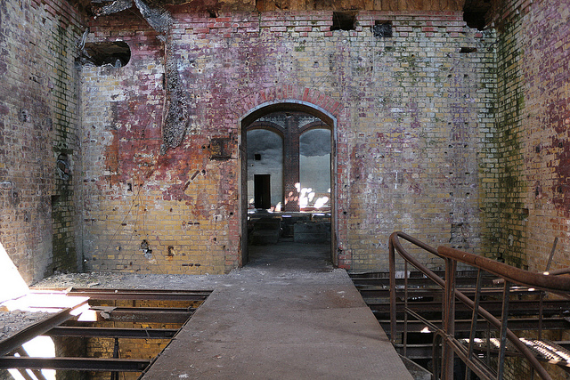 En övergiven maskinhall i Beelitz.