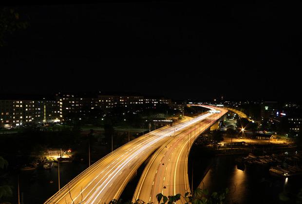 Nattfoto Stockholm - bild över Essingeleden