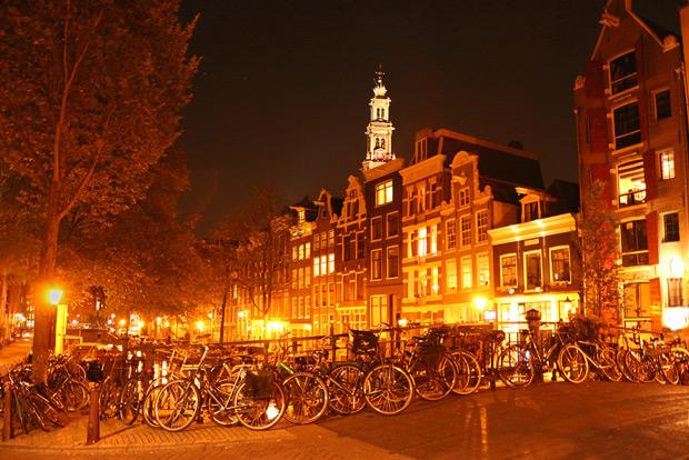 Nattljus i Jordaan, Amsterdam. Från weekendresan 2013.