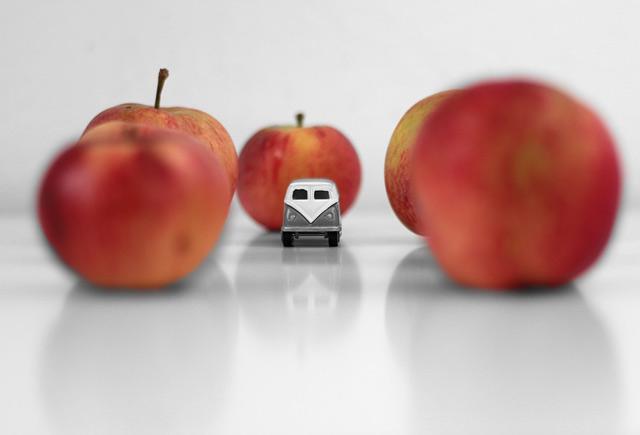 Matfotogravfering av äpplen från Österlen