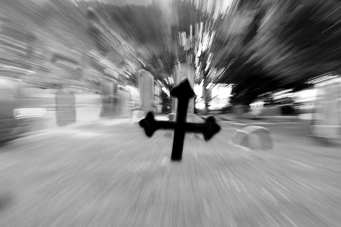 Halloweenbilder - den svarta kyrkogården