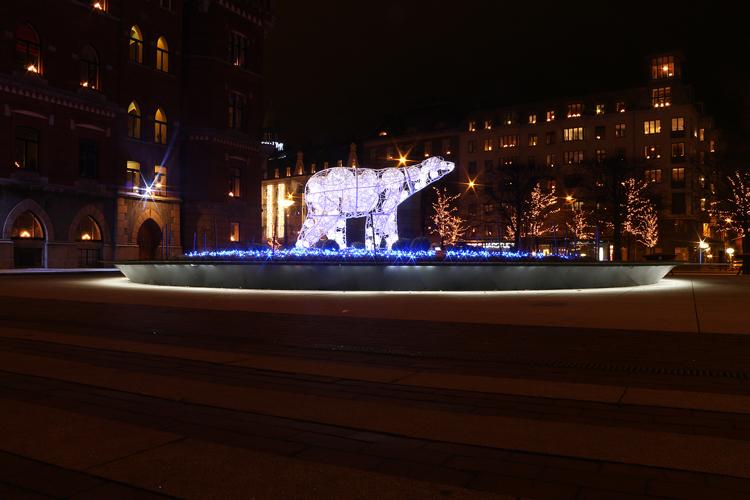 Julljus Helsingborg - isbjörn på rådhustorget